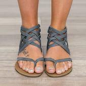 Женские сандалии Обуви на плоской подошве